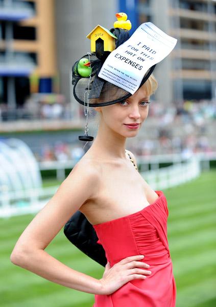 royal_ascot_hats_parade60